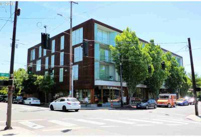2530 SE 26th Ave #402 Portland One BR, Top floor modern condo