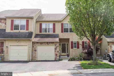 22 Abbott CT NORRISTOWN Four BR, Stunning Town Home backing up