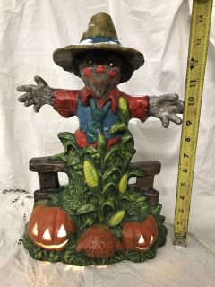 Scarecrow lamp, minor chip, hat needs to be glued back on