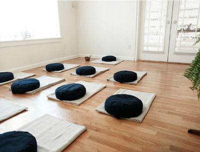 Organic buckwheat meditation cushions (x12)