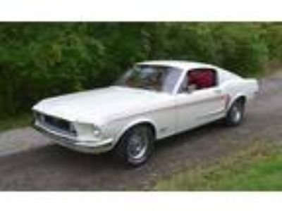 1968 Ford Mustang Fastback GT Wimbledon White
