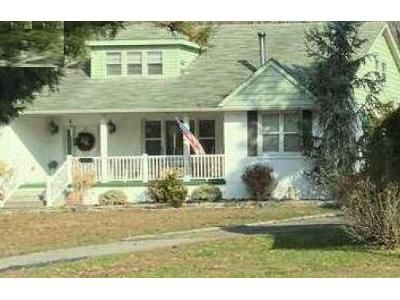 3 Bed 1.5 Bath Foreclosure Property in Williamstown, NJ 08094 - N Main St