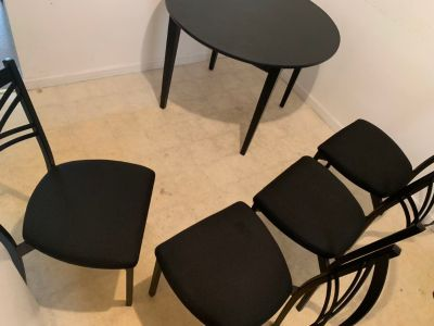 Black Table-Set | 4 Chairs