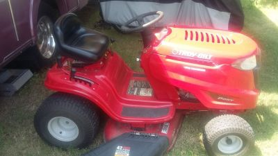 Troy bilt 42 inch cut riding lawn mower