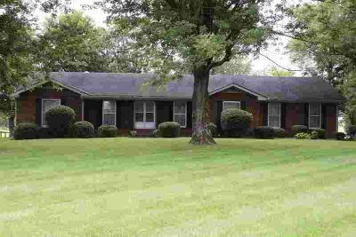 1175 Liberty Ln Gallatin, Grand opportunity to own this
