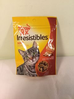 Meow mix irresistible soft white meat chicken cat treats, expiration July 2020