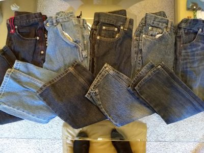 5 pairs of size 6 jeans