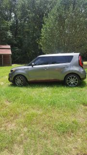 2018 Kia Soul Exclaim!!! In excellent condition.