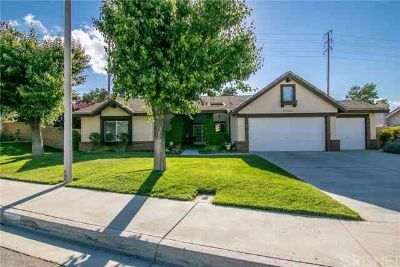 41211 Elsdale Place PALMDALE Three BR, Beautiful highly desirable