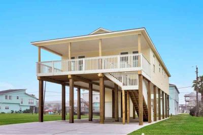 4018 Fort Bend Drive Galveston Three BR, Are you ready to be on