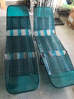 2 Foldable turquoise beach chairs