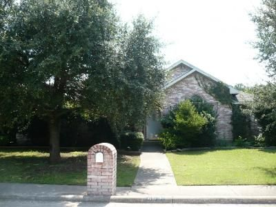 3 Bed 2 Bath Preforeclosure Property in Desoto, TX 75115 - Alpine Dr