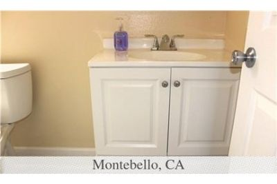 2 bedrooms House - Beautifully Remodeled Single Unit in 4-Unit Apartment Building. Washer/Dryer Hook
