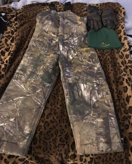 Realtree insulated bibs 6-7 w hat and gloves