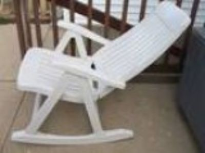 White Outdoor folding rocking chair (Jefferson Park)