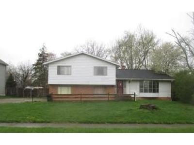 5 Bed 4 Bath Foreclosure Property in Berea, OH 44017 - Longfellow Dr