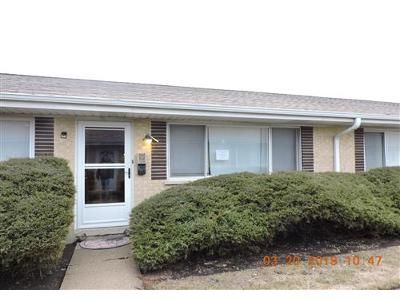 2 Bed 1 Bath Foreclosure Property in Wheeling, IL 60090 - Valley Stream Dr