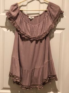 UMGEE top with lace trim size large