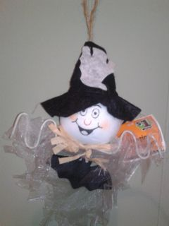 White scarecrow with ghost hat nwt