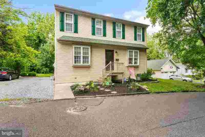 24 Turner St MANTUA Four BR, Talk about a Beautiful Home that