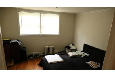 2 bedrooms Apartment - Close to town and train. Pet OK!