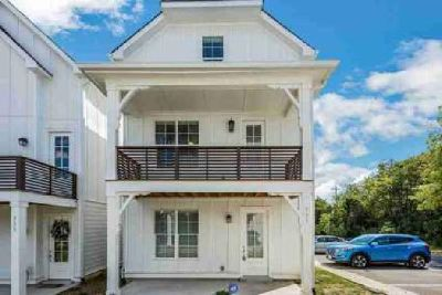 735 Cottage Park Dr Nashville Three BR, Great home with beach