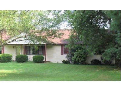 3 Bed 2.5 Bath Foreclosure Property in Seymour, IN 47274 - E County Ave