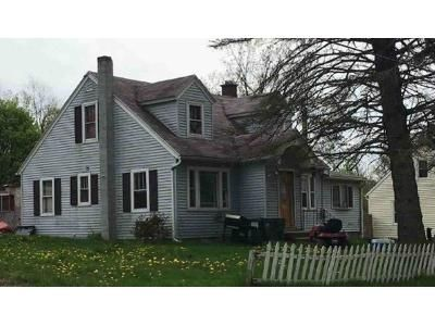 3 Bed 2 Bath Preforeclosure Property in Troy, NY 12182 - Haughney Rd
