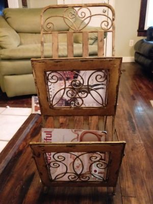Magazine stand or hand towel rack