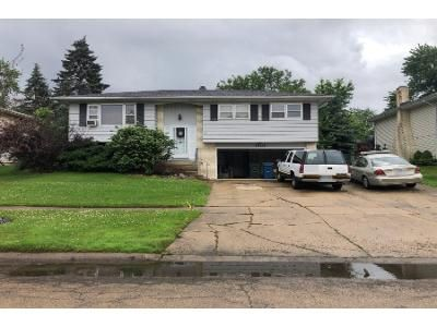 2 Bath Preforeclosure Property in Hanover Park, IL 60133 - Hollywood Ave