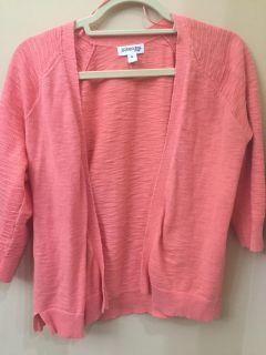 Size medium melon/light coral colored 3/4 sleeve cardigan in great condition. St Johns Bay brand