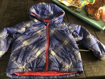Columbia packable puffy coat 3T great for car seats.