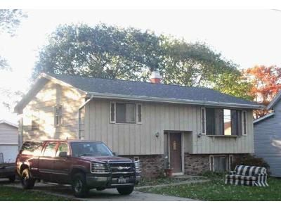 2 Bed 1 Bath Foreclosure Property in Orfordville, WI 53576 - S Richards St