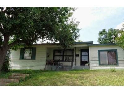 3 Bed 1 Bath Foreclosure Property in San Antonio, TX 78223 - Dollarhide Ave