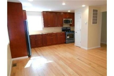 Valley Stream - Completely Renovated & Updated 2 Bedroom Apartment On 1st Floor. Offstreet parking!
