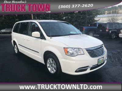 2012 Chrysler Town & Country 4d Wagon Touring