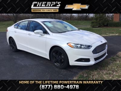 2016 Ford Fusion SE ()