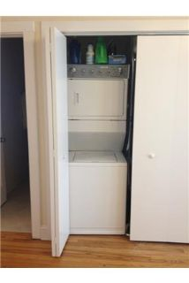 Spacious 2BR/1BA Apartment in Irving Park! washer/dryer In Unit! Full Modern Kitchen included. Dish