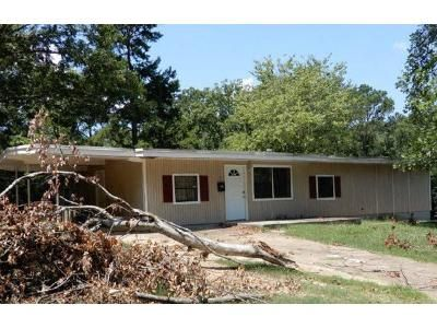 3 Bed 1 Bath Foreclosure Property in Little Rock, AR 72209 - Ivy Dr