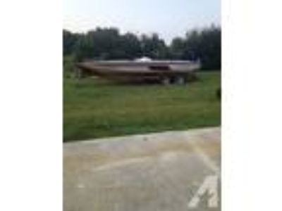 1993 javelin 20 ft with 200 hp evinrude -