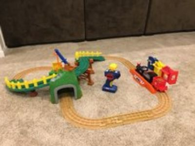 GeoTrax Remote Control Train Set