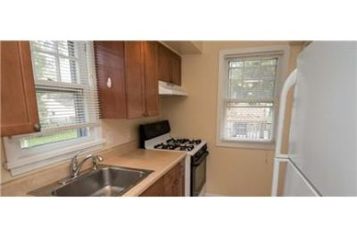 Rochester - Awesome 3 bedroom with central air.