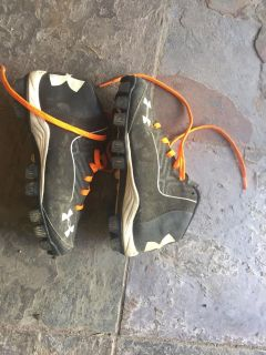 Under armor cleats size 3