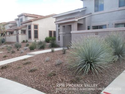 2/2 Town Home Gated Community w/Master Bed Downstairs!