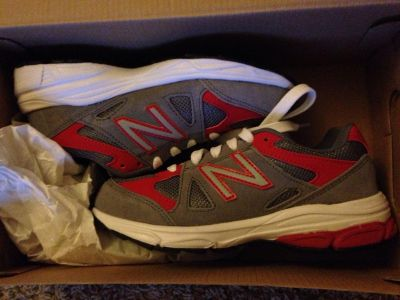 New in box boys size 1.5 new balance tennis shoes $22