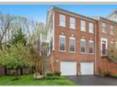 Four BR, 3.5 BA, 2 car garage backing to park, Fairfax, VA