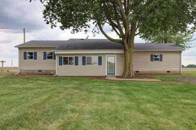 565 CR 550 North Sadorus Three BR, The best of small town living!