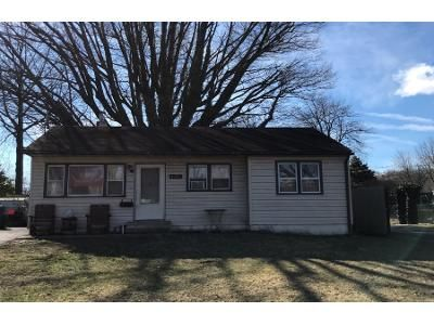 2 Bed 1 Bath Preforeclosure Property in Bensalem, PA 19020 - Clinton Ave