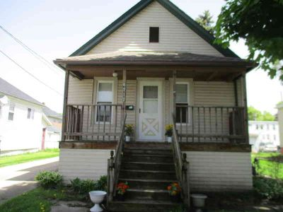 6717 26th Ave Kenosha Two BR, Cute as can be. Brand NEW Furnace