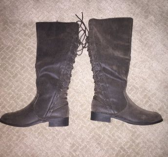 Women s Boots NEW size 8